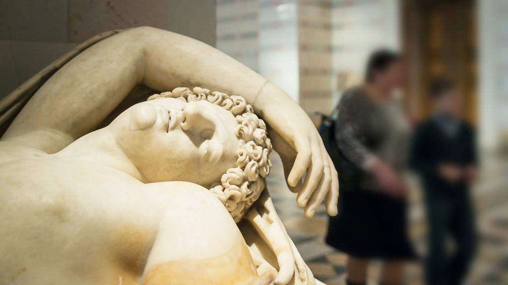 Искусство 18: семь обнажённых скульптур Эрмитажа, которые могут увидеть дети