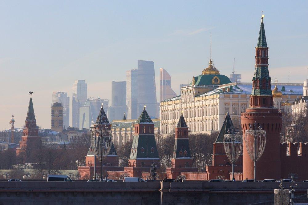 Готовы к худшим сценариям: В Кремле не удивятся высылке российских дипломатов из США