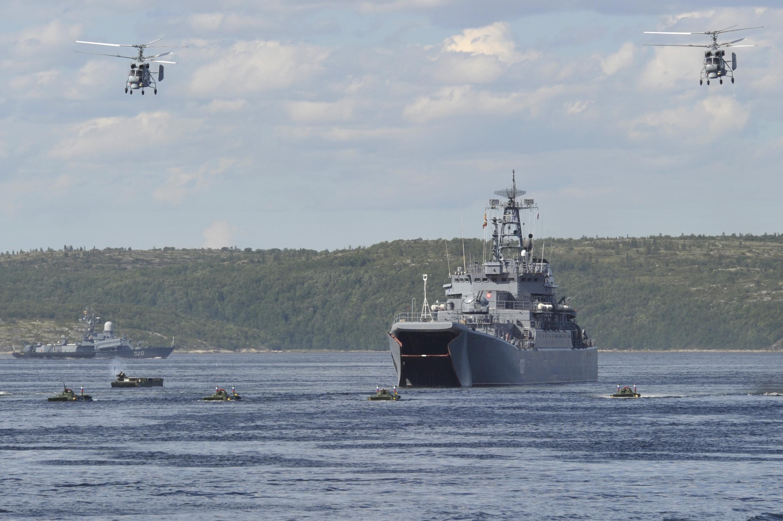Больше десяти боевых кораблей Каспийской флотилии перейдут в Чёрное море