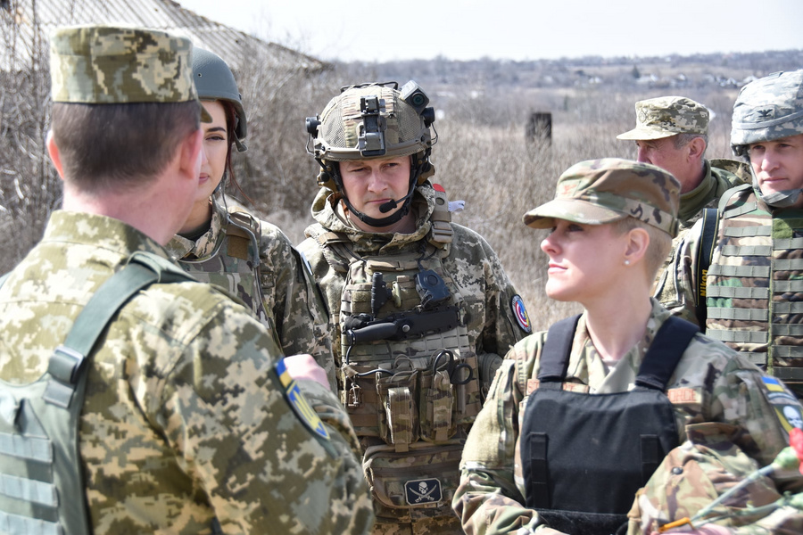 "<p>Фото © Facebook / <a href=""https://www.facebook.com/pressjfo.news/posts/1094924784333470"" target=""_blank"" rel=""noopener noreferrer"">Операція об&#x27;єднаних сил / Joint Forces Operation</a></p>"