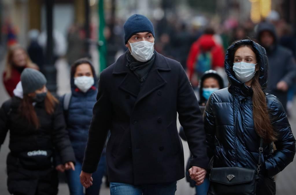 Песков объяснил высокий уровень иммунитета к коронавирусу в России