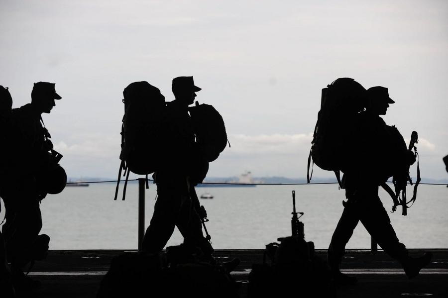 """""""Речь идёт о выживании страны"""": французские военные опубликовали новое обращение к властям"""