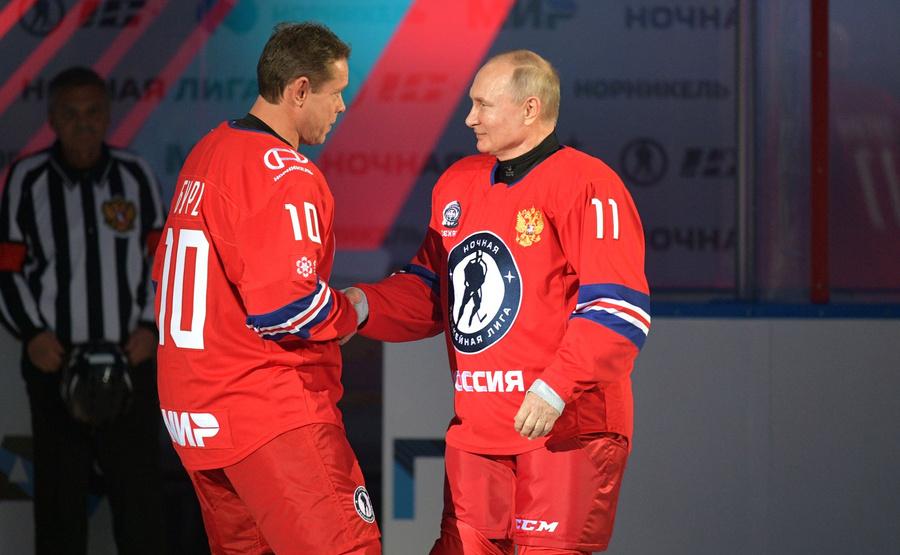 "<p>Фото © <a href=""http://kremlin.ru/events/president/news/65551/photos/65686"" target=""_blank"" rel=""noopener noreferrer"">Пресс-служба Кремля</a></p>"