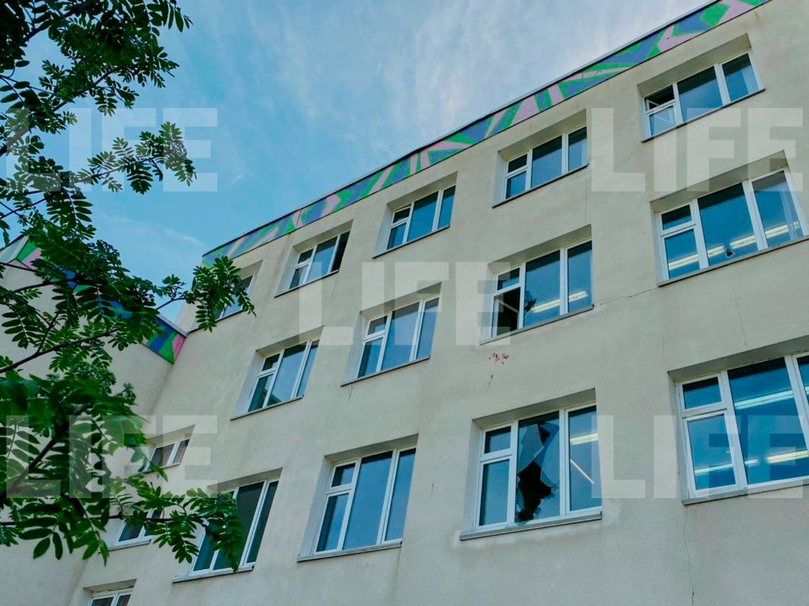 Лайф узнал, как учительница спасала школьников при стрельбе в Казани