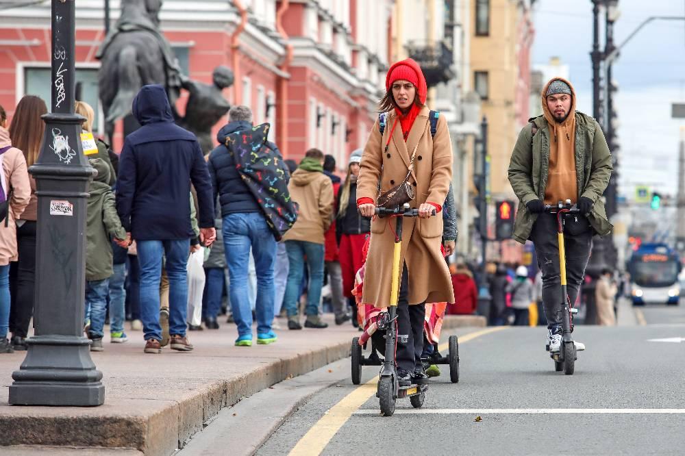 Власти Петербурга ограничили самокаты в скорости