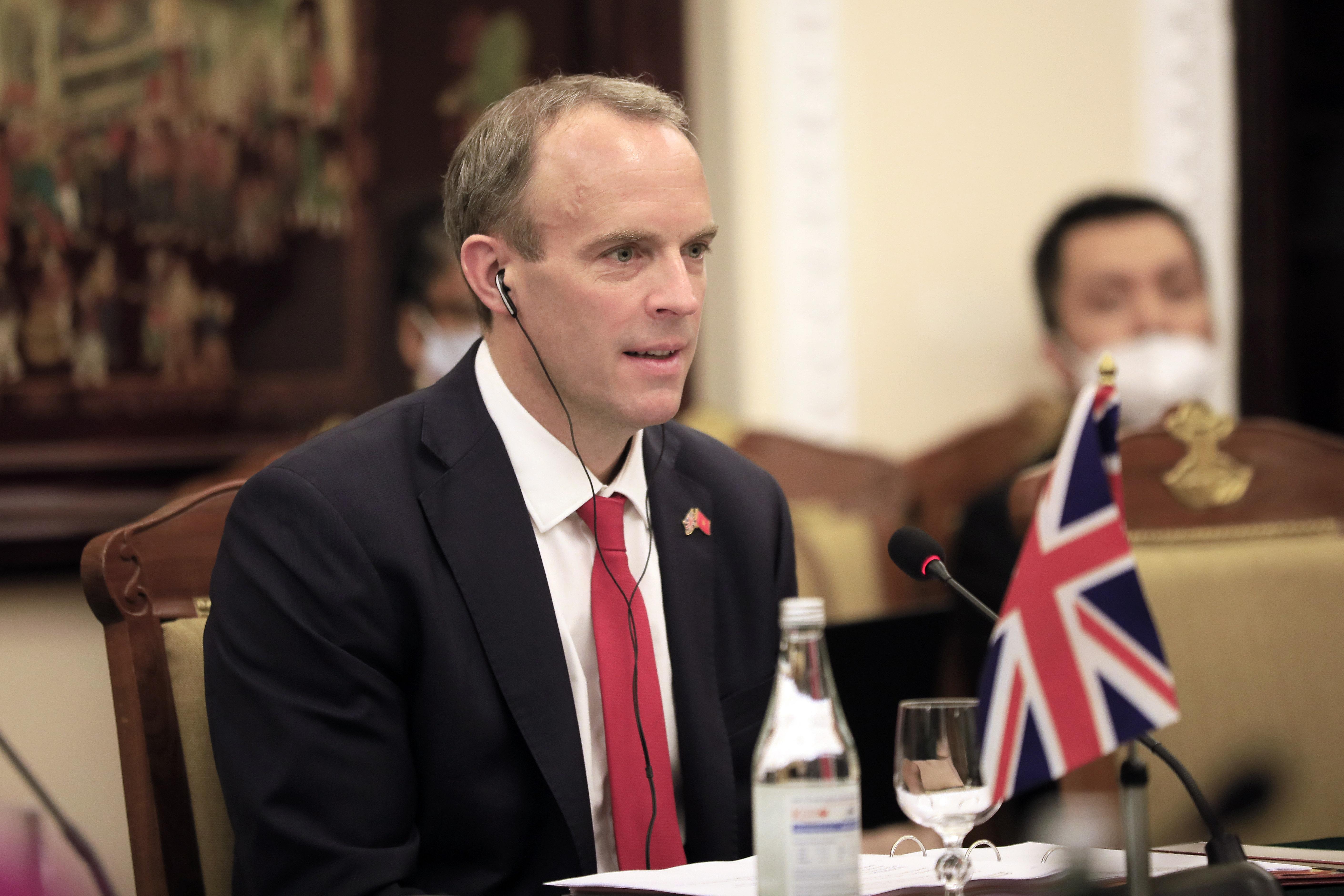 """Глава британского МИД обвинил Россию в """"укрывательстве"""" хакеров"""
