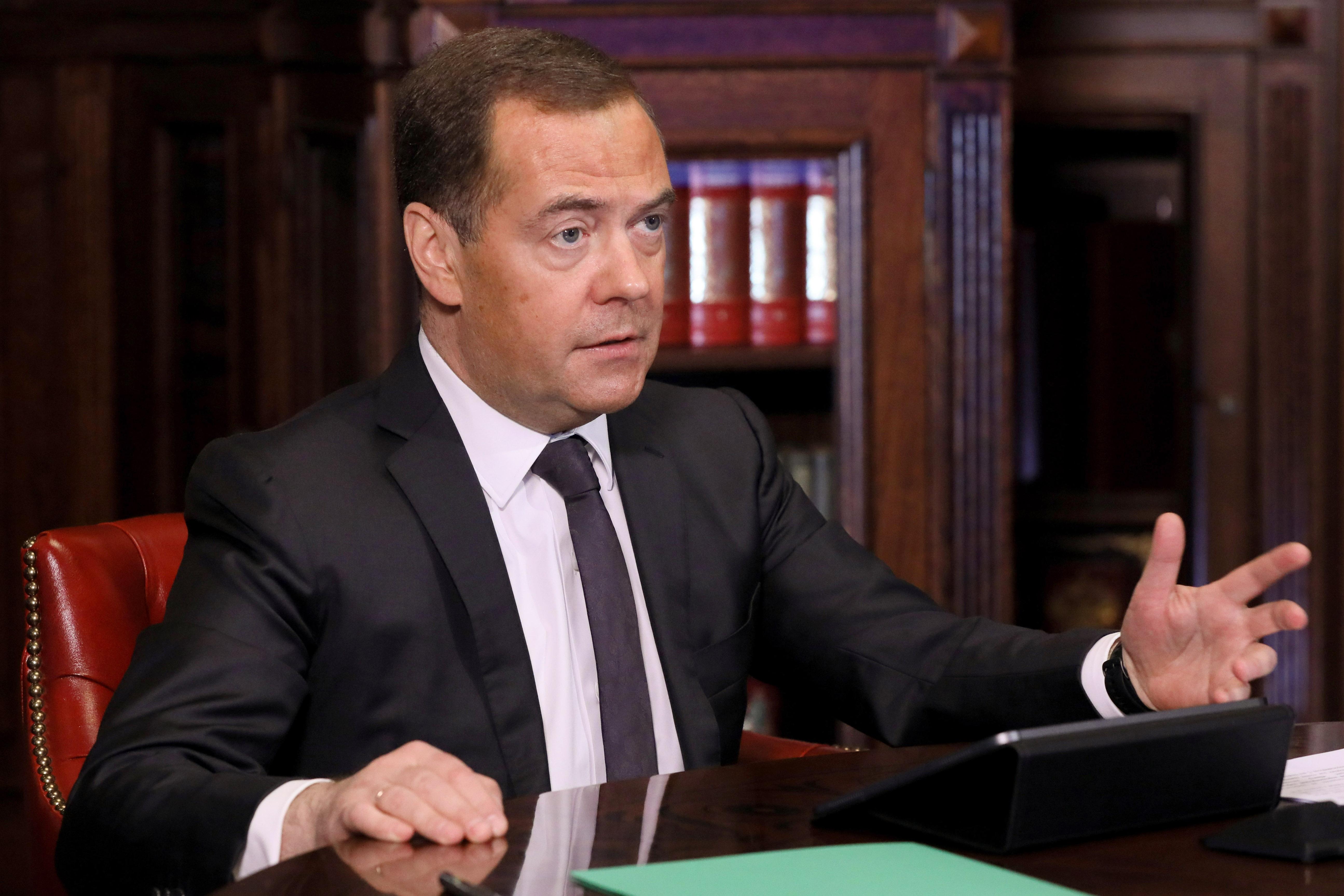 """""""Стендап-номер"""": Медведев дал определение уголовному преследованию Медведчука на Украине"""
