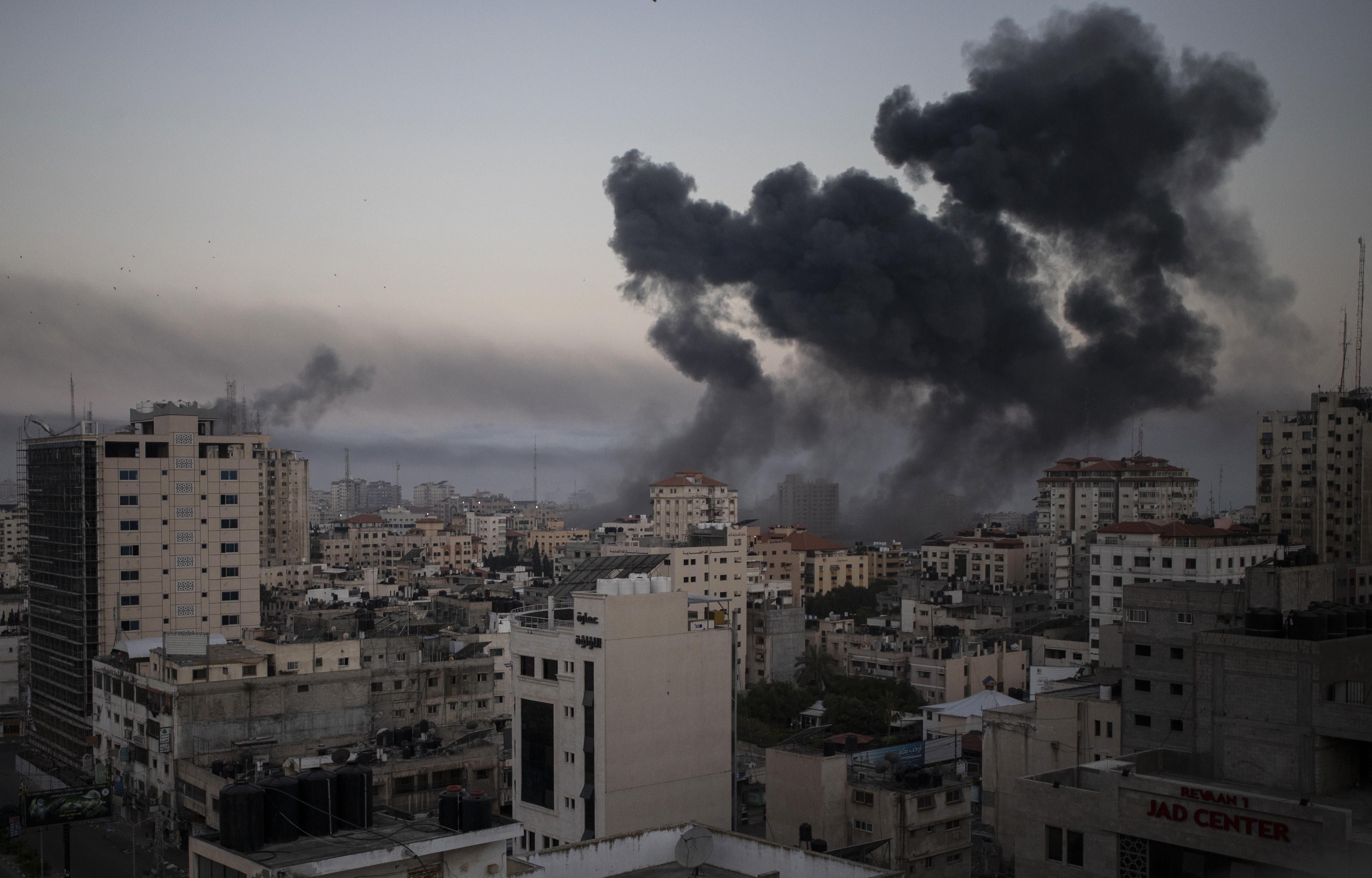 Число жертв авиаударов ВВС Израиля по сектору Газа превысило 100 человек