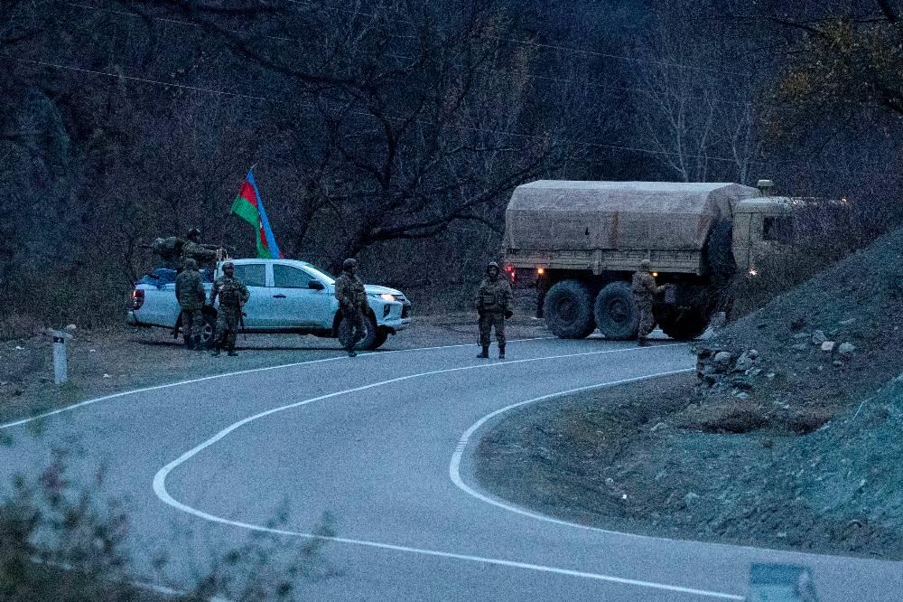 Глава Минобороны Армении и командующий ЮВО ВС РФ обсудили ситуацию на границе с Азербайджаном