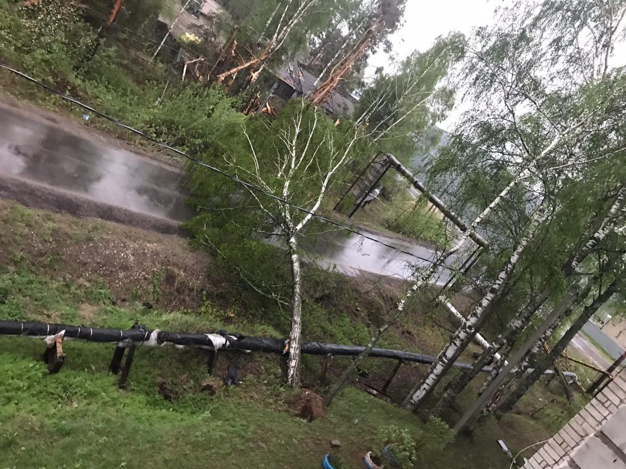В двух российских областях без электричества остались около 80 тысяч человек