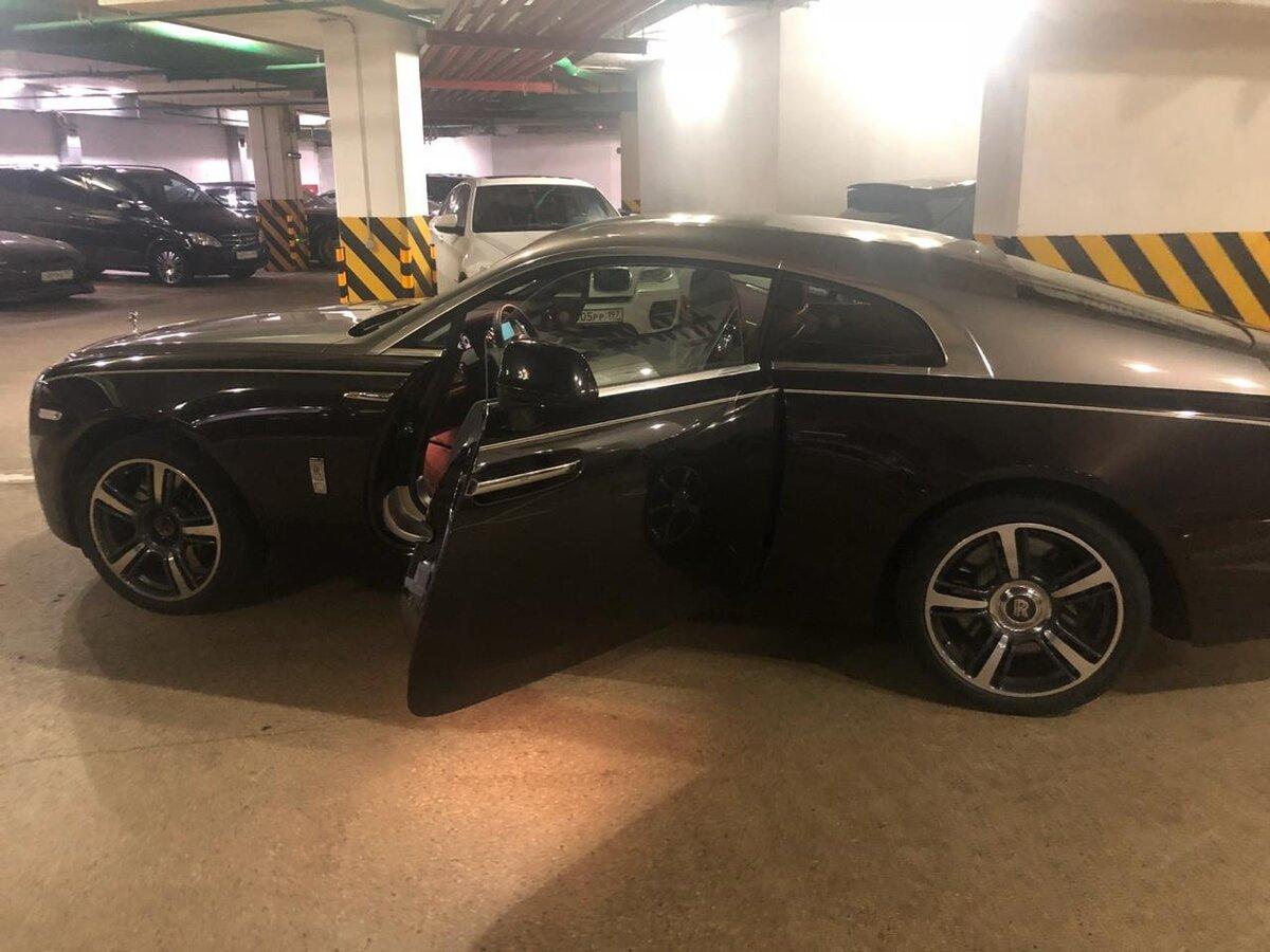Rolls-Royce Крюковой. Фото © auto.ru
