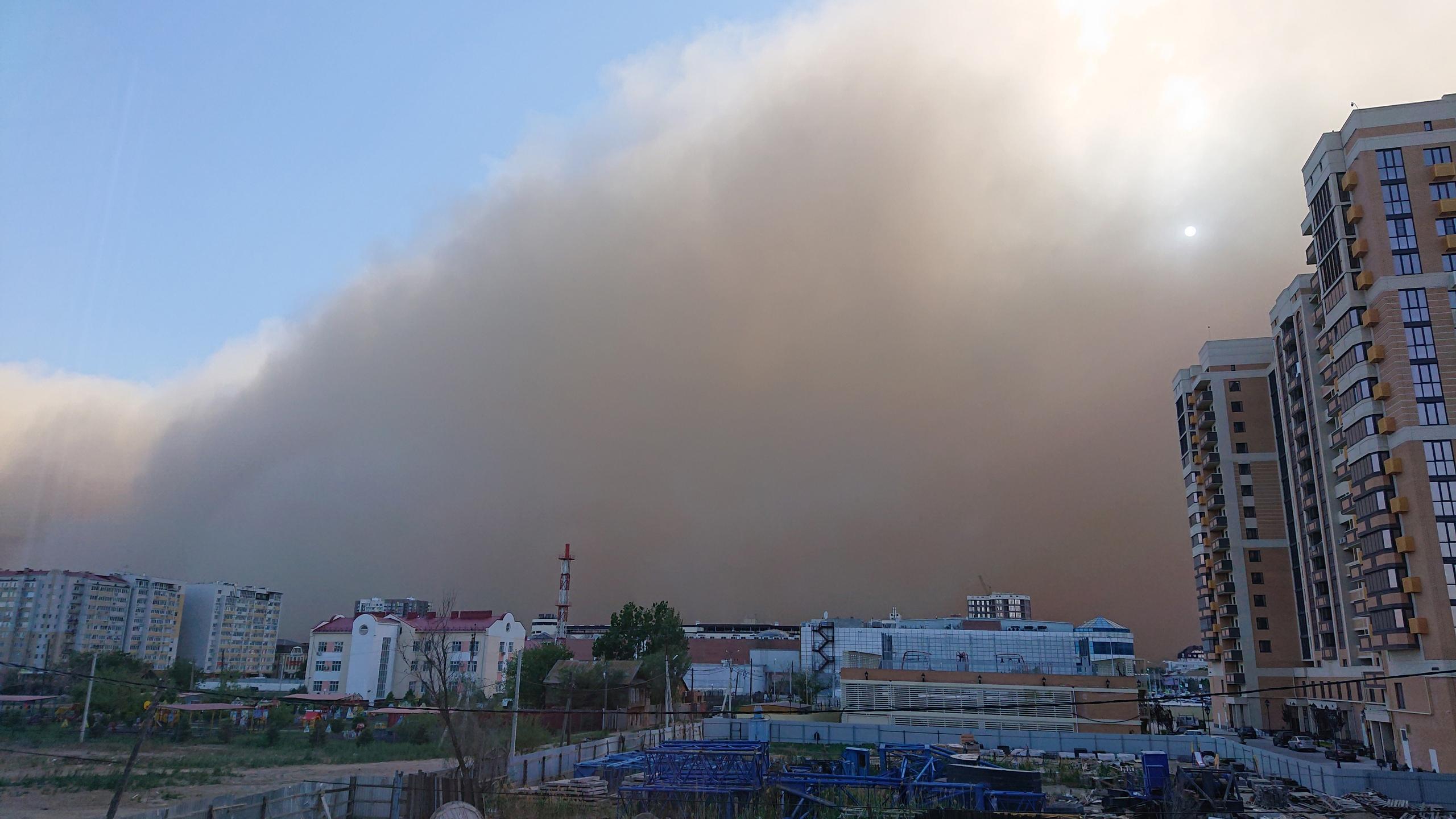 Метеоролог рассказала, отразится ли астраханская буря на качестве воздуха в Москве