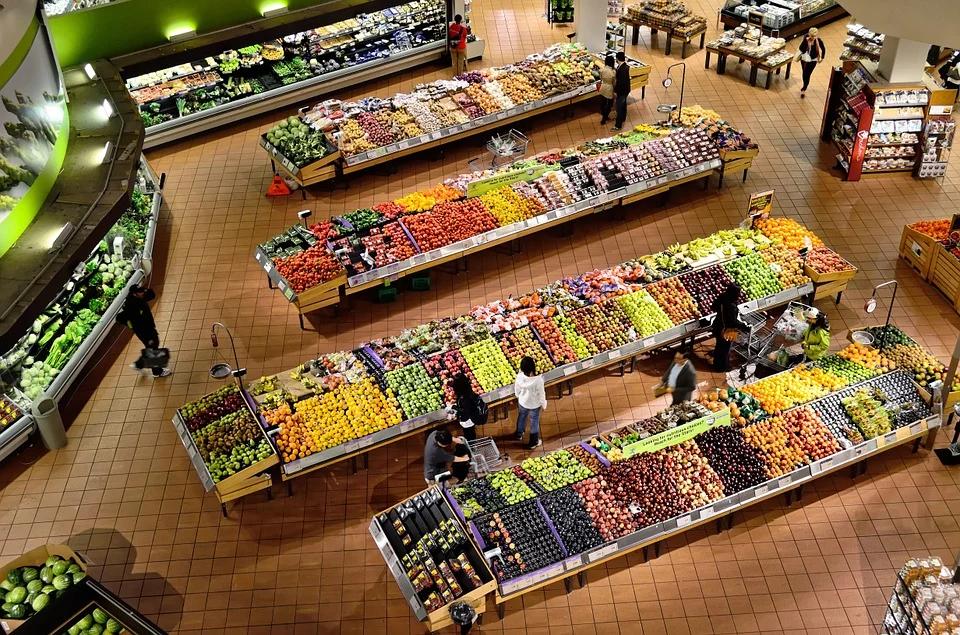 Экономист: Правительство будет сдерживать цены на продукты и после выборов