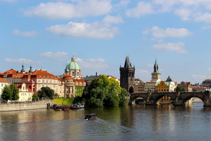 Премьер Чехии вызвал руководителя  Минюста после еезаявления овзрывах воВрбетице