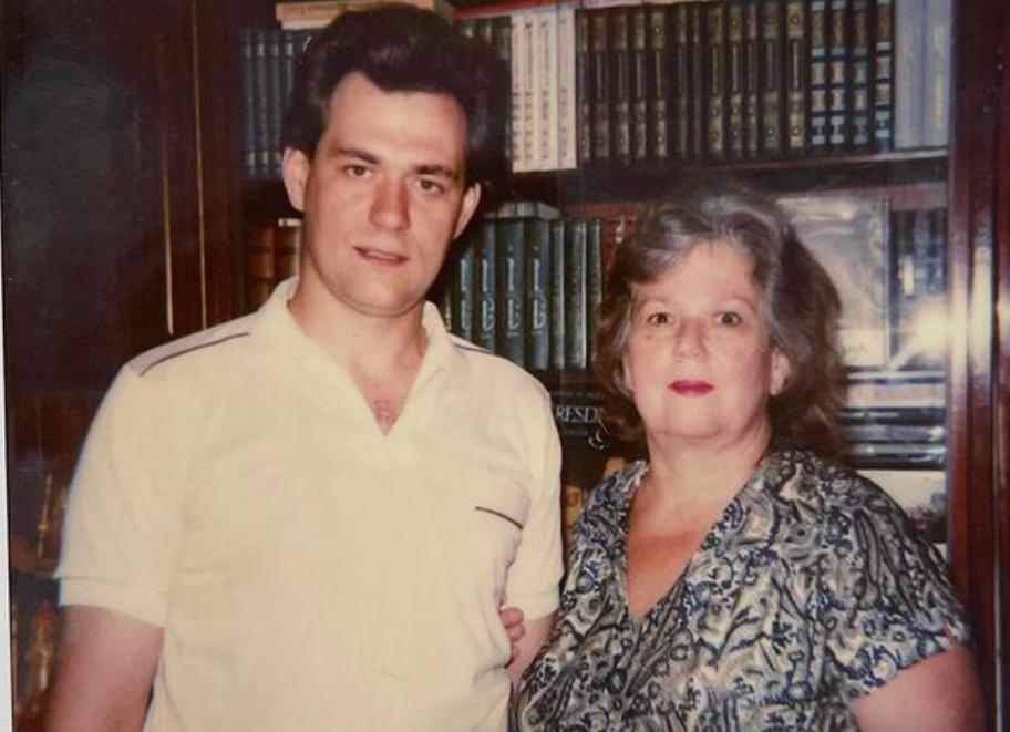 Ушла из жизни без боли: Мать Сергея Доренко умерла за неделю до годовщины гибели сына