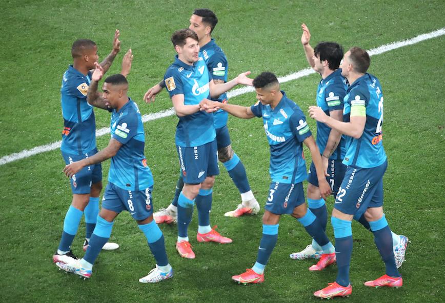 Зенит разгромил Локомотив и досрочно стал чемпионом России