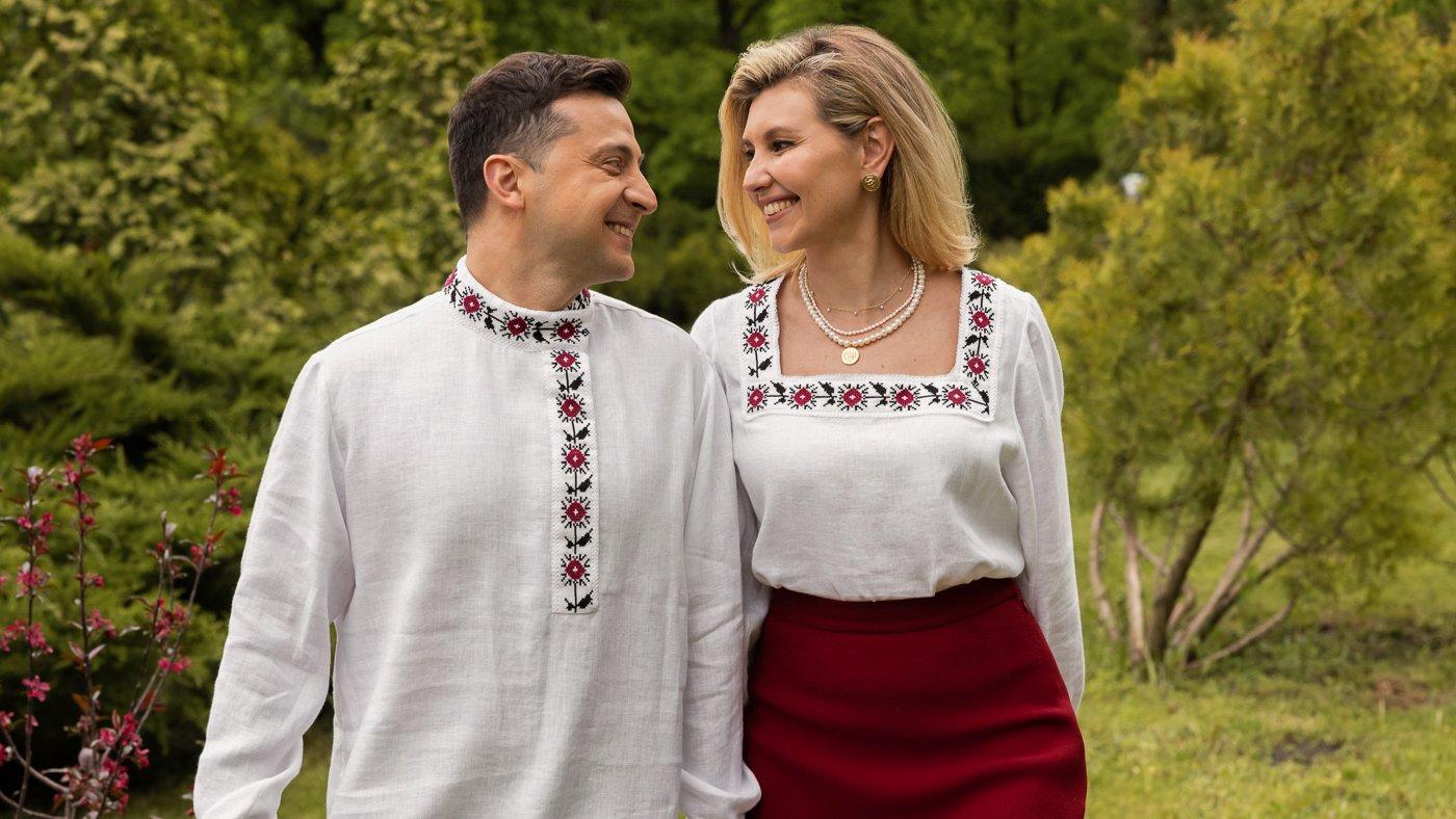 Зеленский поздравил украинцев с Днём вышиванки в русской косоворотке и вызвал шквал насмешек