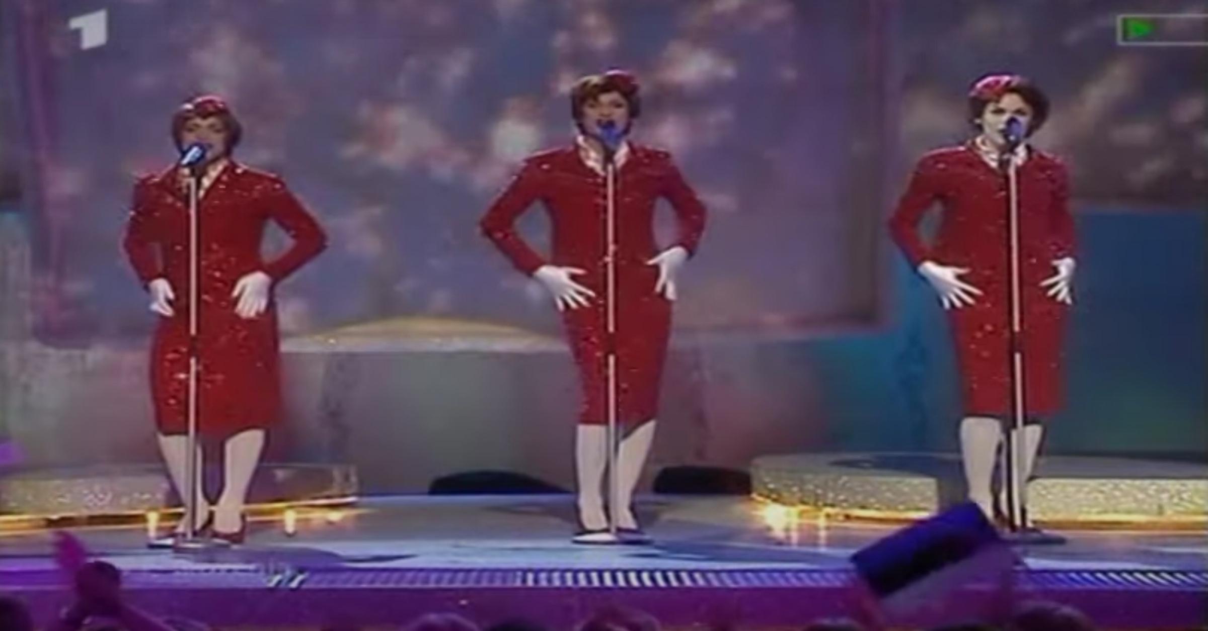 Кадр из видео YouTube / 2000ESC2003