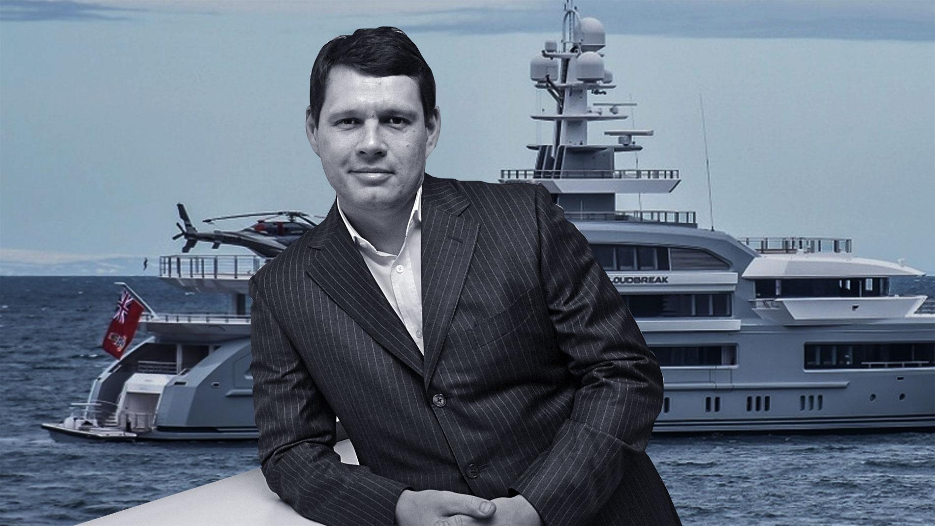 "<p>Александр Светаков. Фото © <a href=""https://www.superyachtfan.com/yacht/cloudbreak/photos/"" target=""_blank"" rel=""noopener noreferrer"">Superyachtfan.com</a>, ТАСС / Борис Кавашкин</p>"
