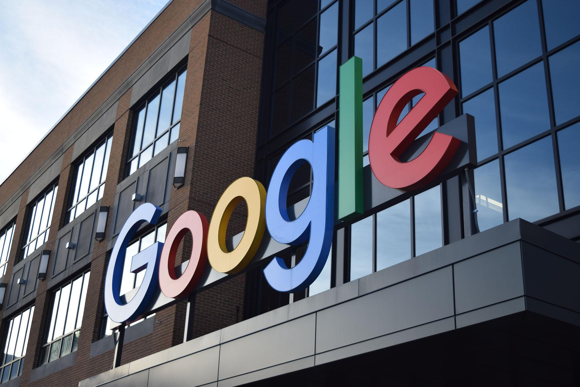 Google и YouTube могут попасть под санкции в России