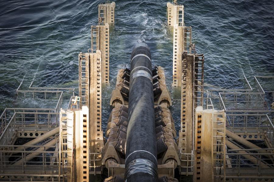 "<p>Фото © <a href=""https://www.nord-stream2.com/ru/dlia-pressy/izobrazheniya/pioneering-spirit-installing-the-pipeline-in-swedish-waters-714/?page=4"" target=""_blank"" rel=""noopener noreferrer"">nord-stream2.com</a></p>"