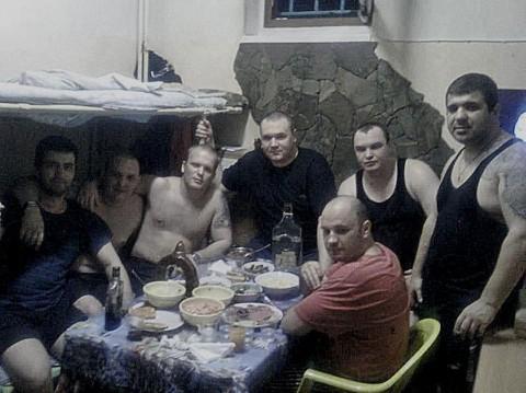 """Участники ОПГ """"Башмаки"""" в СИЗО. Фото © mzk1.ru"""
