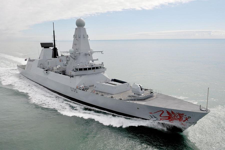 "<p>Фото © <a href=""https://ru.wikipedia.org/wiki/HMS_Dragon_(D35)#/media/%D0%A4%D0%B0%D0%B9%D0%BB:Royal_Navy_Type_45_Destroyer_HMS_Dragon_MOD_45153124.jpg"" target=""_blank"" rel=""noopener noreferrer"">Wikipedia</a></p>"