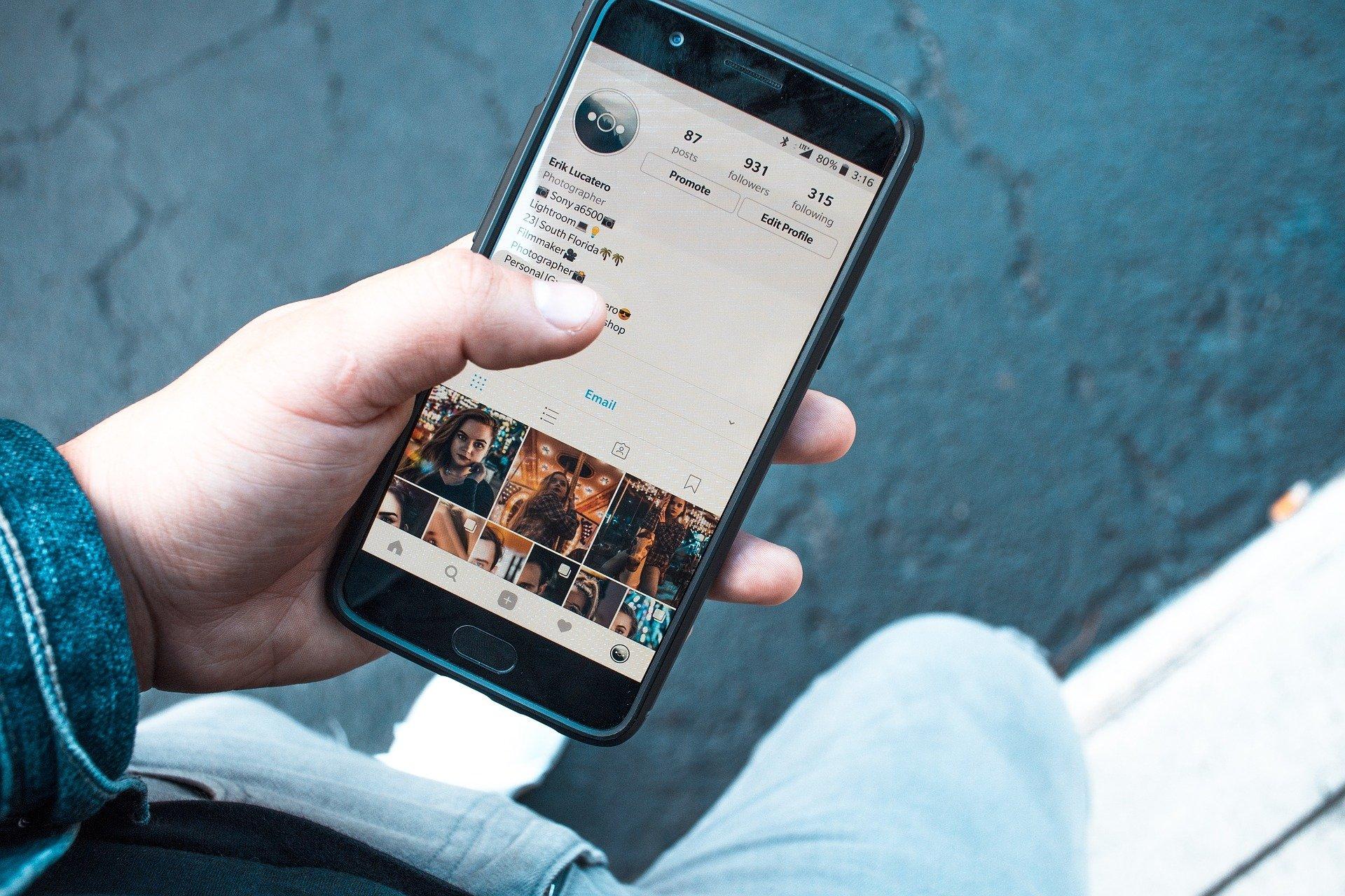 Чем нельзя хвастаться в соцсетях: Советы дал эксперт по безопасности