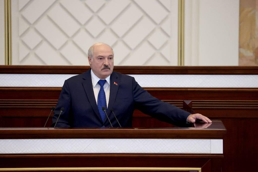 Лукашенко призвал страны СНГ подумать о присоединении к ЕАЭС и ОДКБ