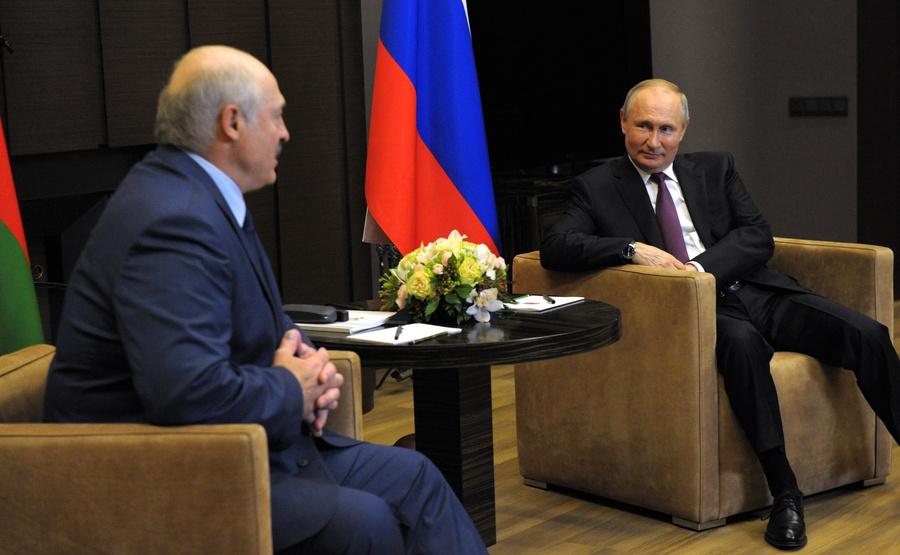"<p>Фото © <a href=""http://kremlin.ru/events/president/news/65699/photos/65762"" target=""_blank"" rel=""noopener noreferrer"">Пресс-служба Кремля</a></p>"