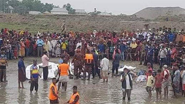 В Бангладеш 27 человек погибли при столкновении лодки и баржи