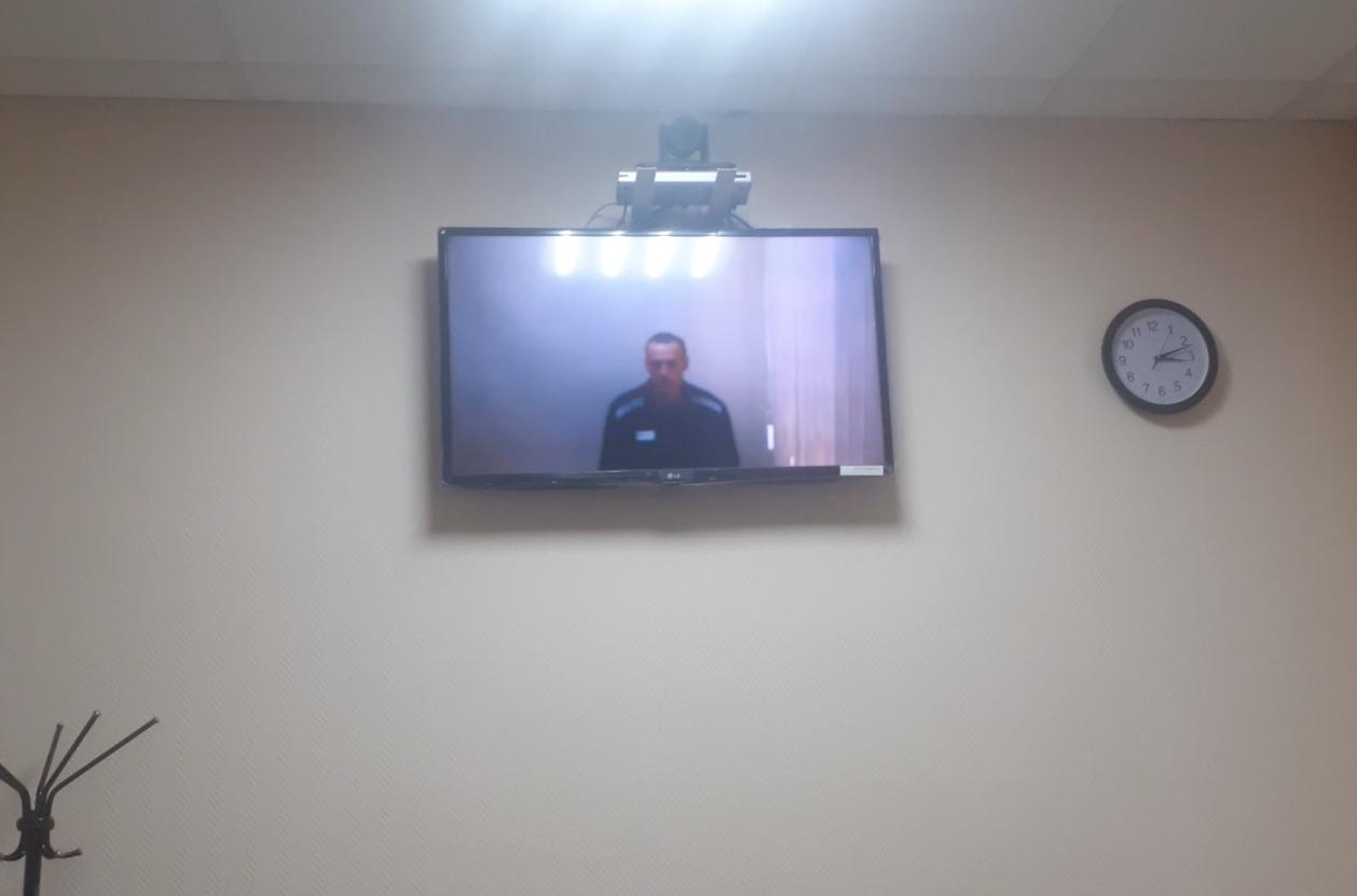 Суд отложил на 2 июня рассмотрение иска о законности признания Навального склонным к побегу