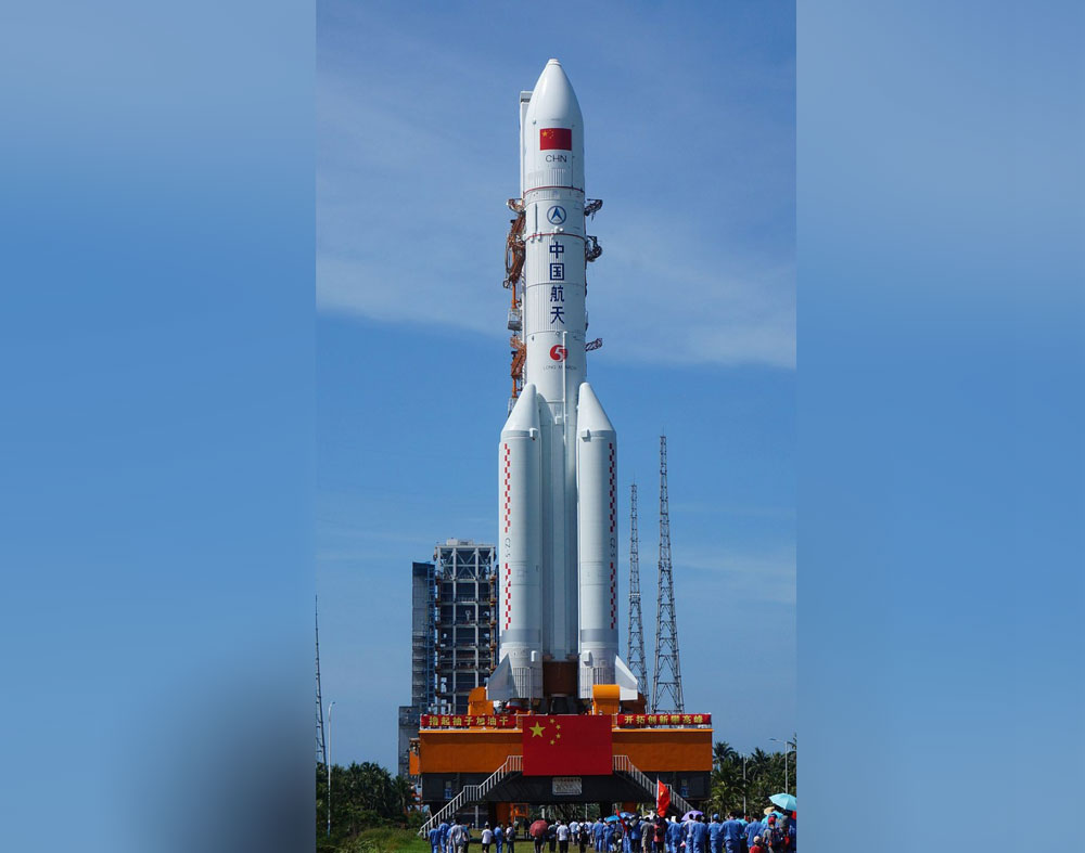 Потерявшая контроль китайская ракета падает на Землю