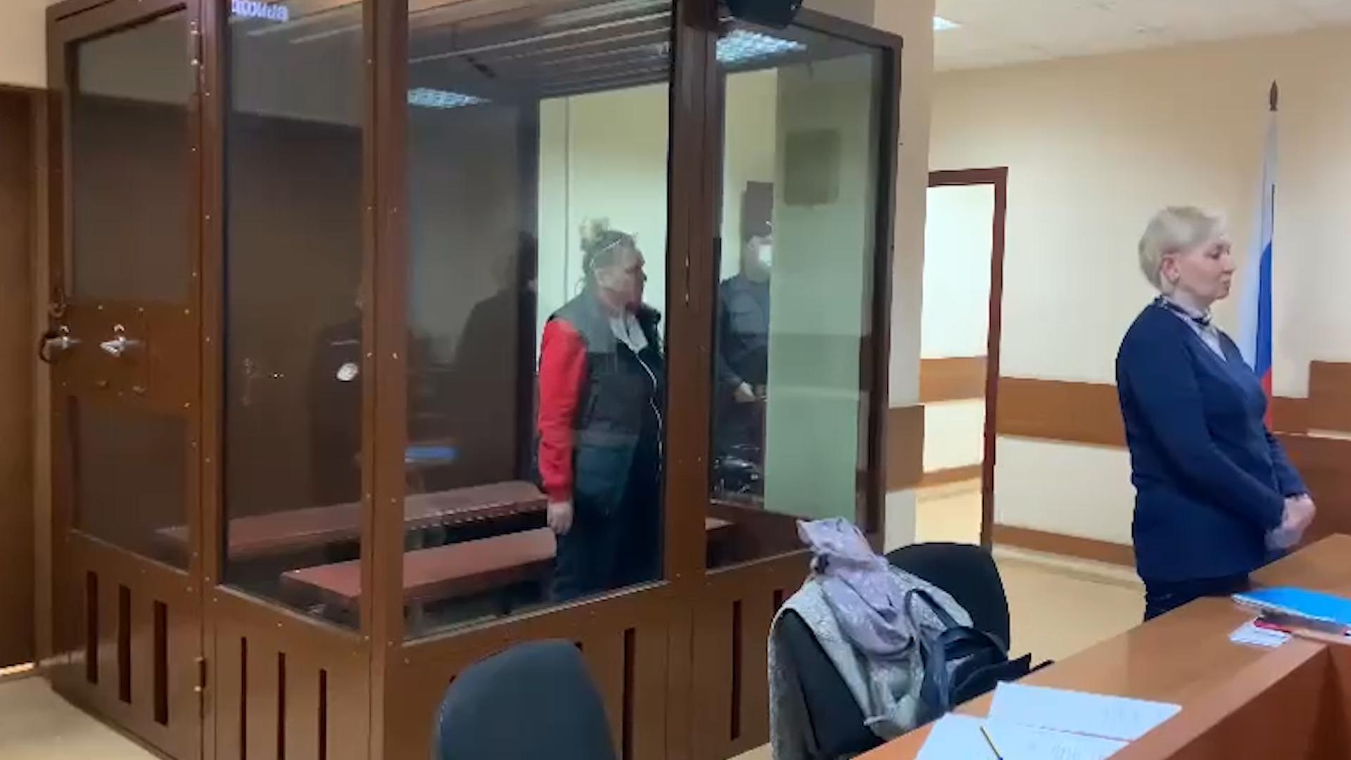 """Суд в Москве арестовал фигурантов дела о смертельном пожаре в гостинице """"Вечный зов"""""""