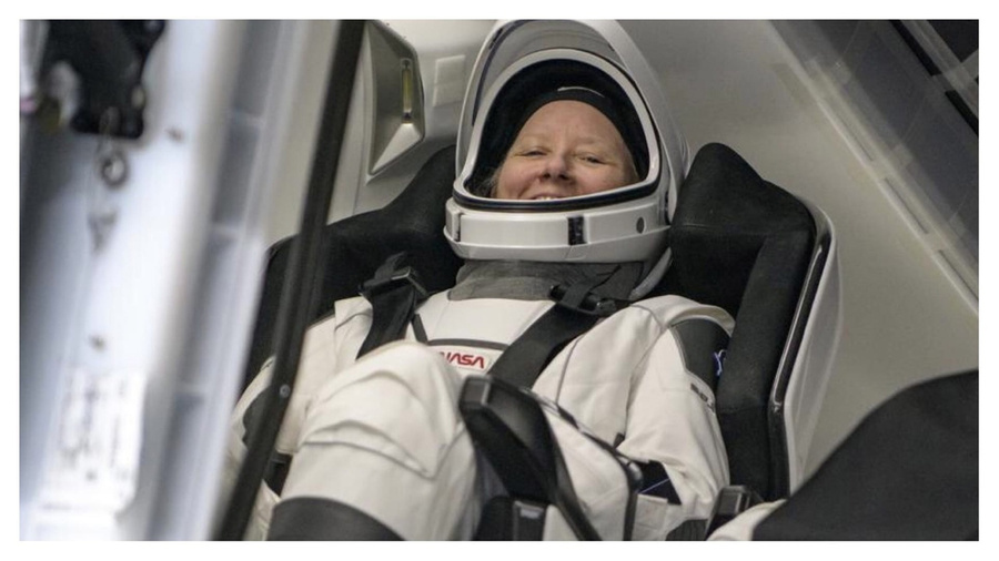 <p>Фото © NASA / Билл Ингаллс</p>