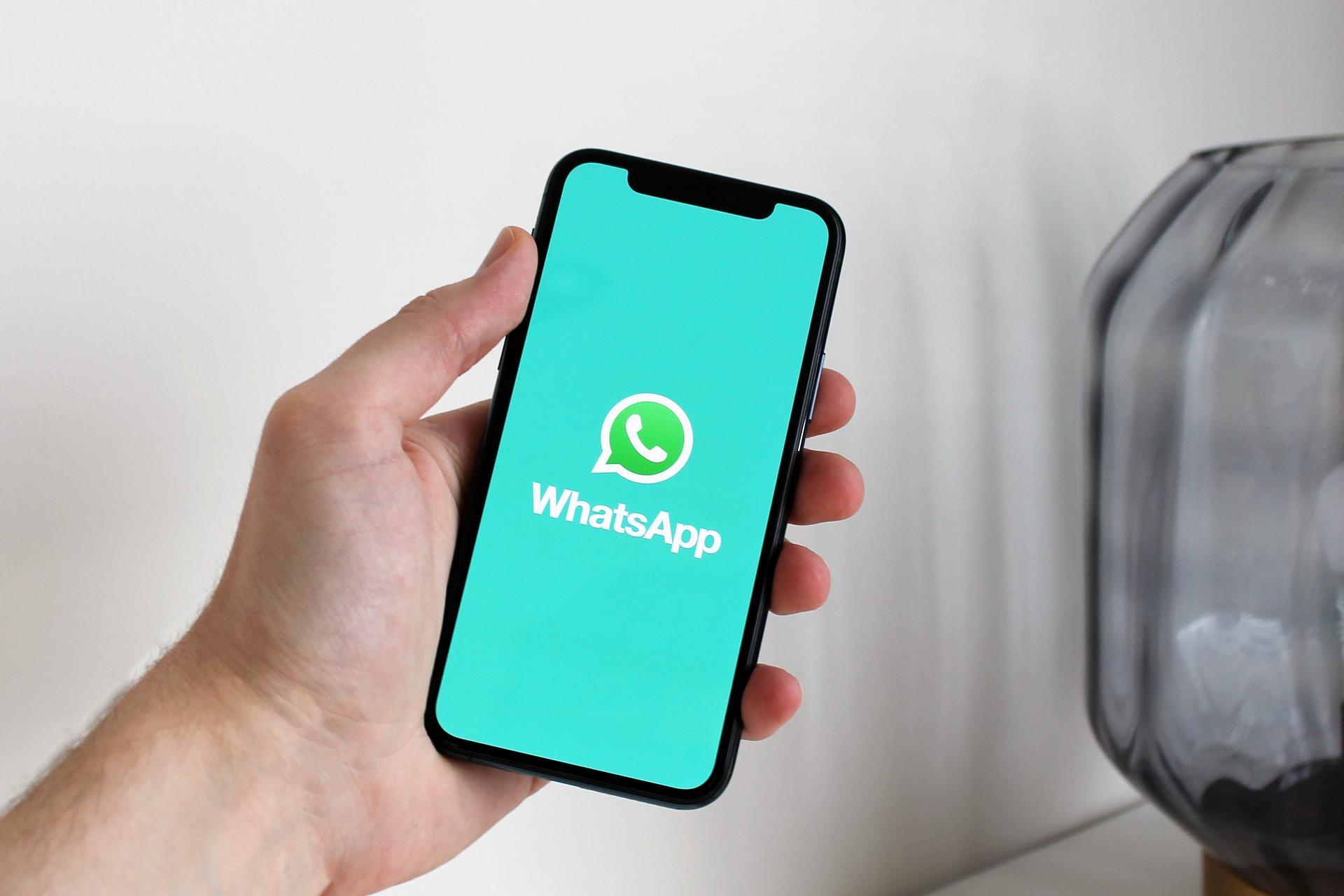 Эксперт рассказала, как защититься от слежки в WhatsApp