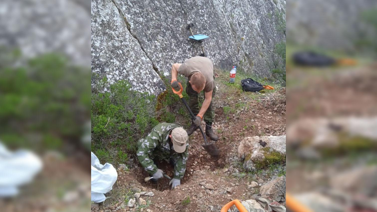 В горах под Севастополем найдены останки 29 советских солдат, погибших в боях летом 1942 года
