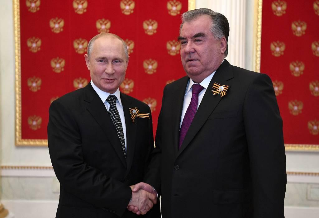 Путин поблагодарил лидера Таджикистана Эмомали Рахмона за приезд в Москву на День Победы