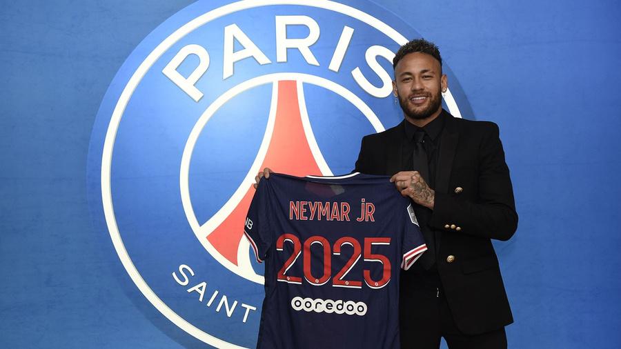 "<p>Фото © <a href=""https://en.psg.fr/teams/first-team/content/neymar-jr-extends-his-contract-with-paris-saint-germain-until-2025-neymar-jr-psg-mercato"" target=""_blank"" rel=""noopener noreferrer"">PSG.fr</a></p>"