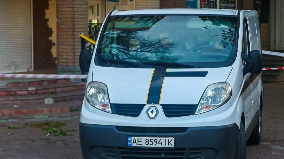Украинец упал на женщину с восьмого этажа, сломал ей шею и погиб