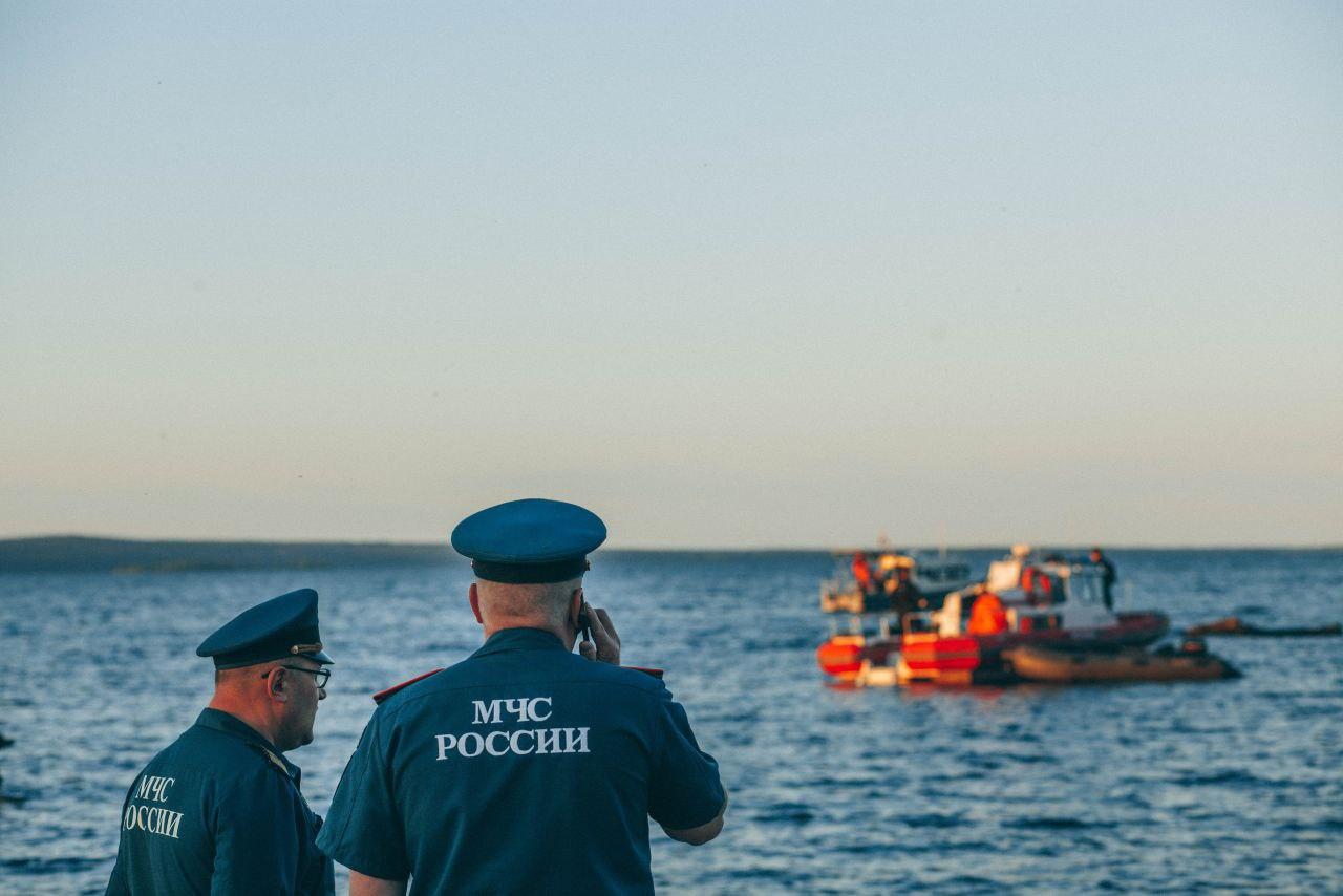 СК возбудил уголовное дело после гибели трёх подростков на озере в Карелии