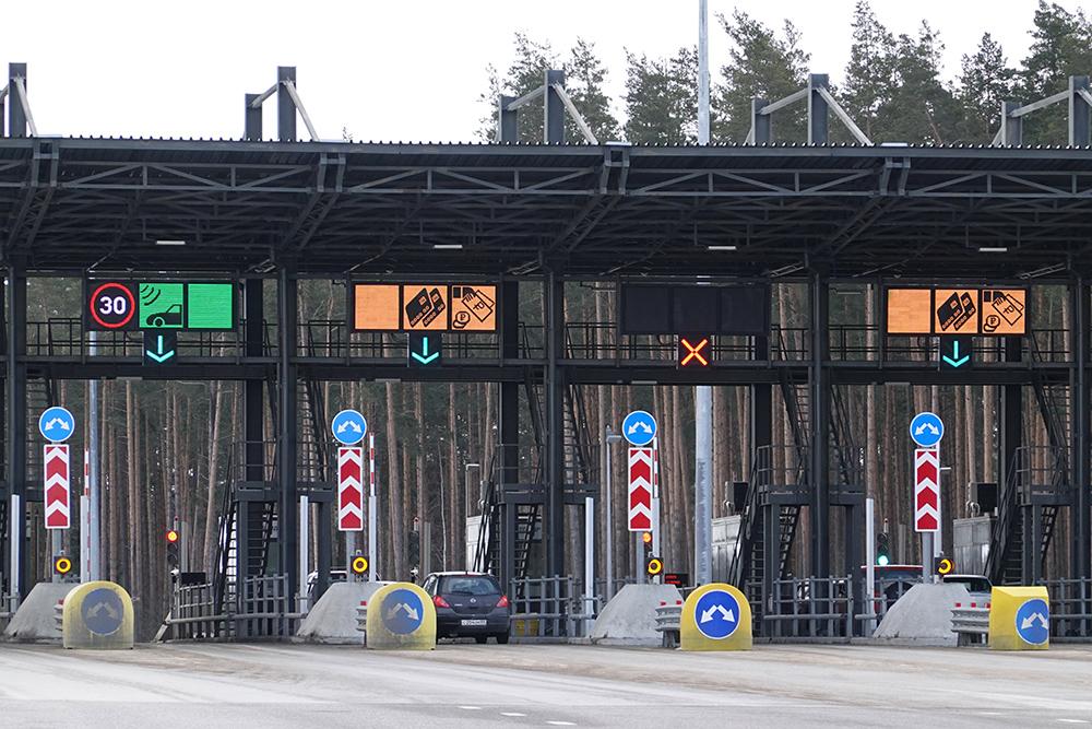 Скоростной режим на трассе от Москвы до Санкт-Петербурга повысили до 130 км/ч
