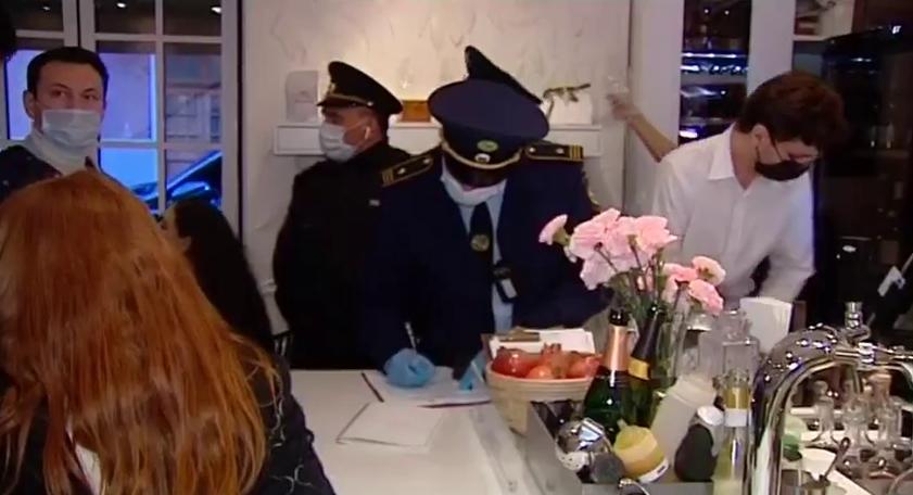 Кафе Gucci в Москве могут закрыть за нарушение коронавирусных ограничений