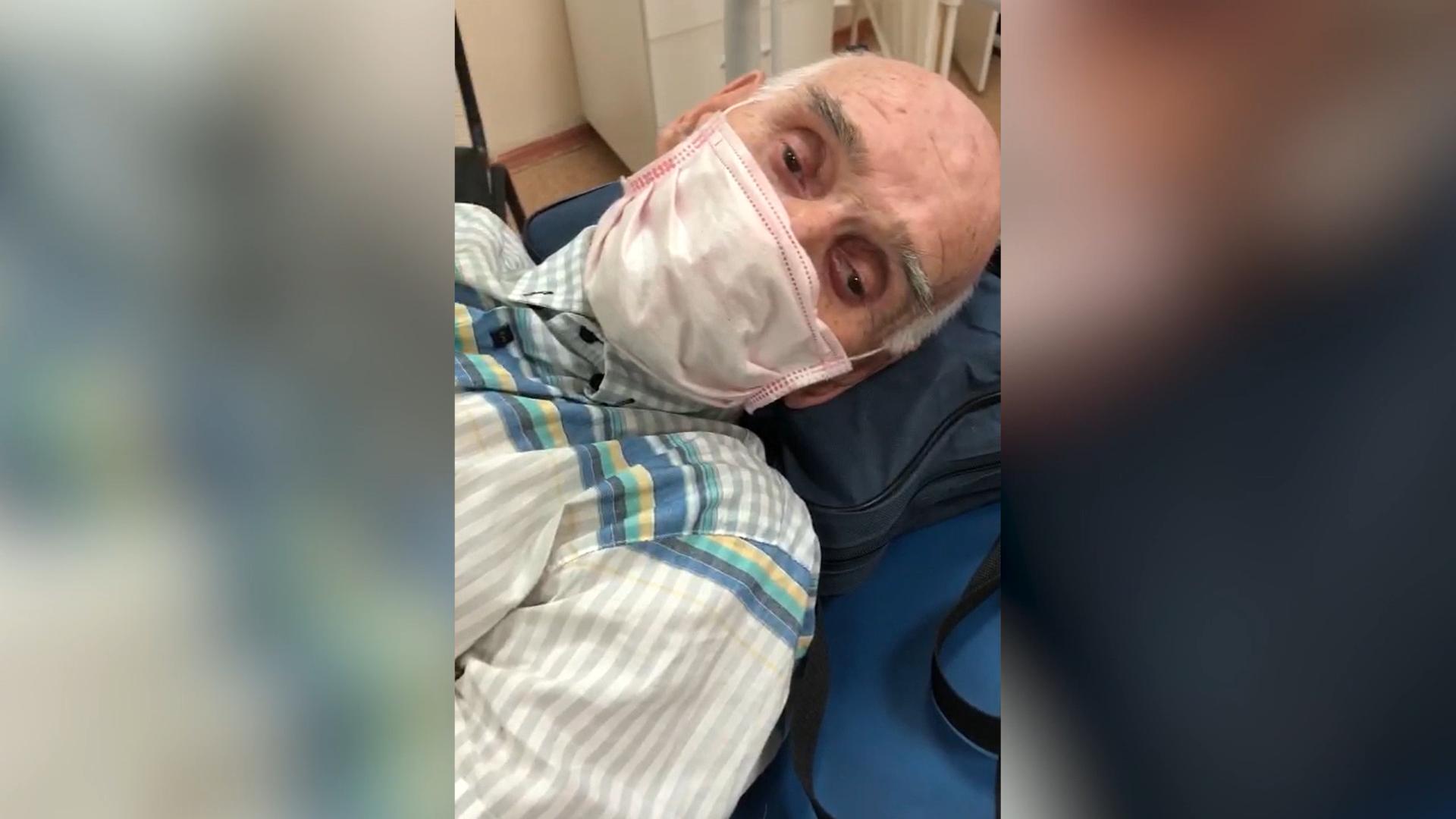 Бросили лежать на лавочке: В Уфе электросамокатчики на огромной скорости сбили 84-летнего дедушку и сбежали
