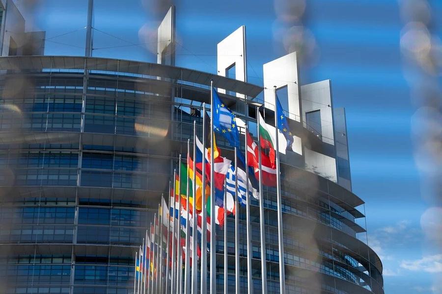 Привитым от ковида европейцам разрешили свободные поездки внутри ЕС