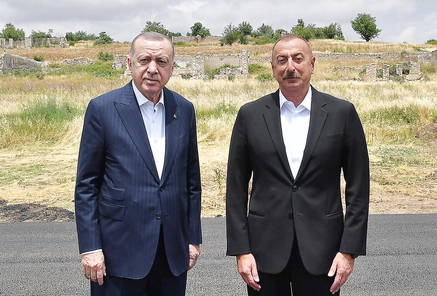 Эрдоган и Алиев подписали декларацию о союзнических отношениях Турции и Азербайджана