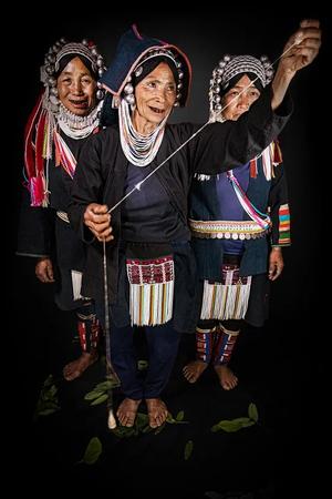 Ольга Мичи. Портрет женщин в традиционных костюмах. Народ акха. Штат Шан, Мьянма