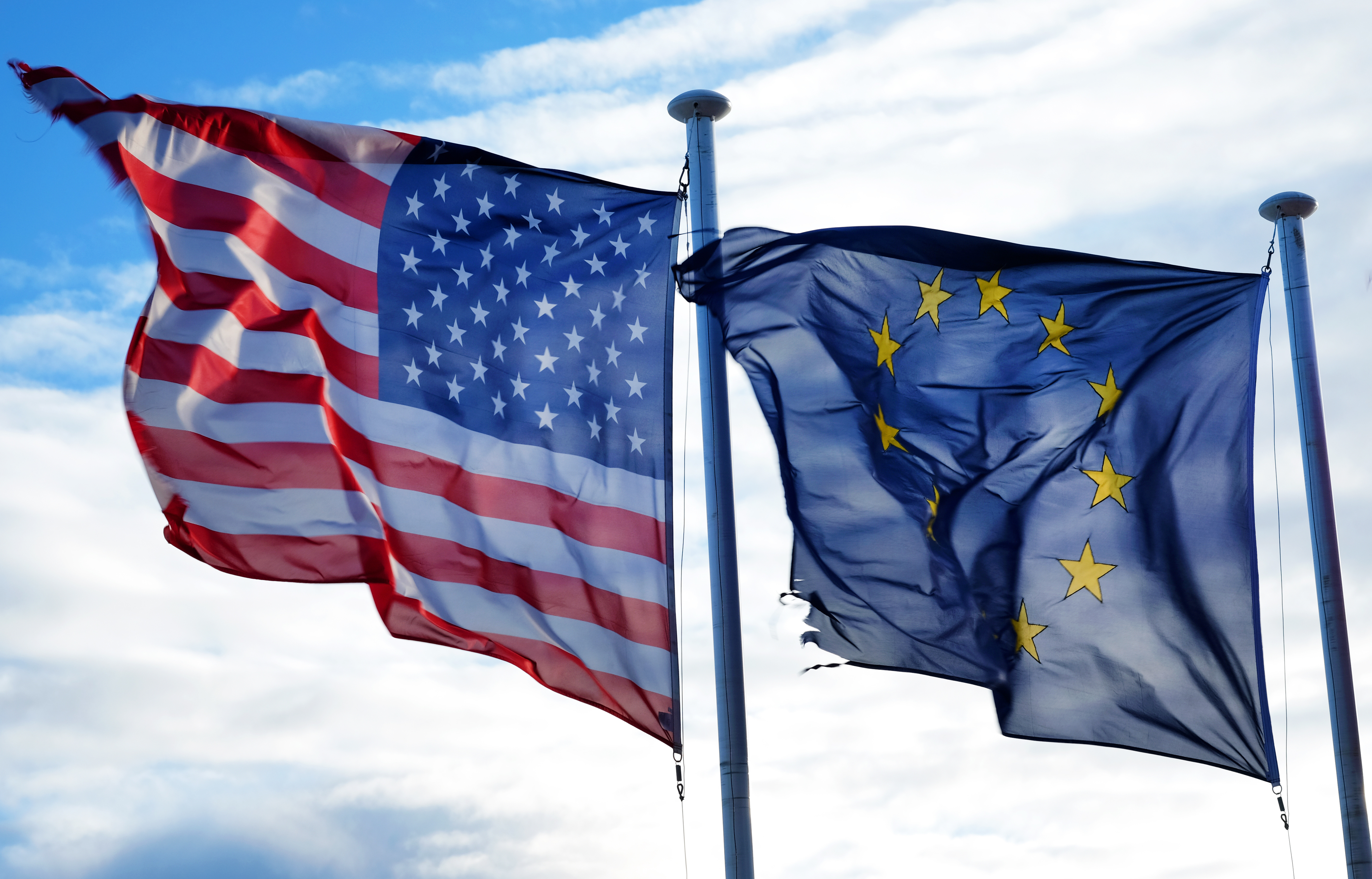 ЕС и США будут добиваться более предсказуемых отношений с Россией