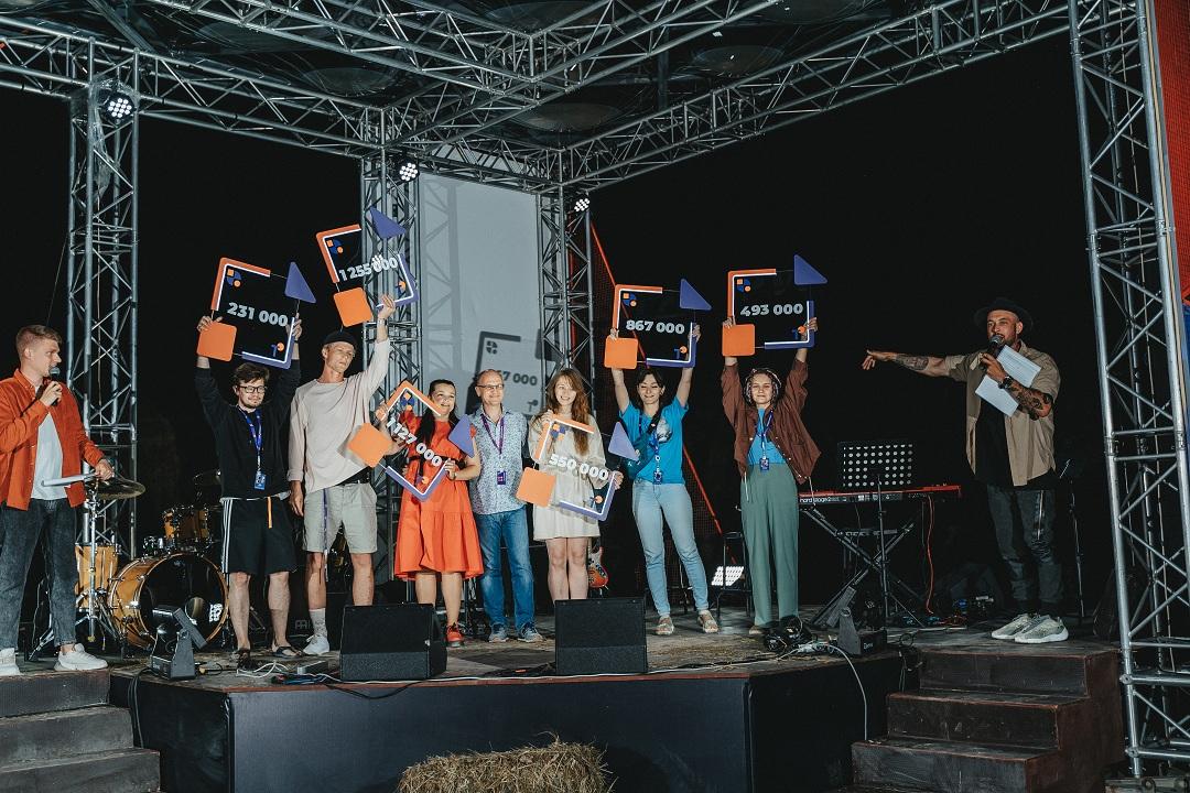 """На """"Тавриде"""" в Крыму подвели итоги образовательного заезда """"Мир, любовь и роботы"""""""