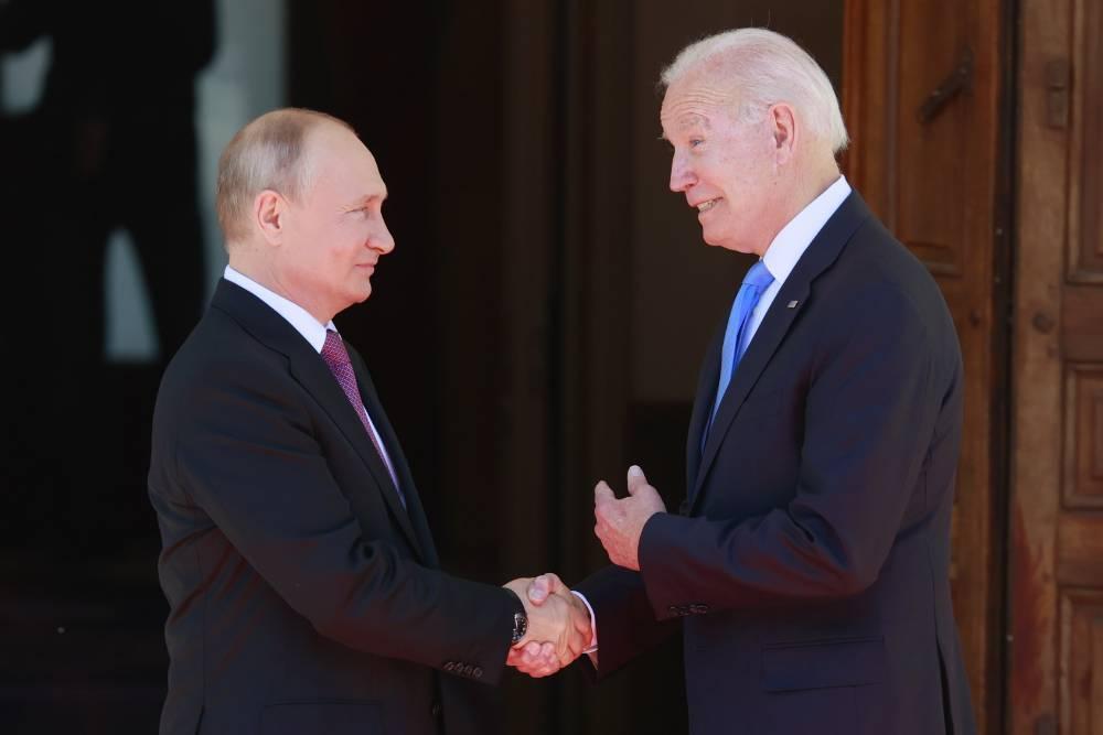 """В Дании рассказали о """"серьёзных слабостях"""" американцев после встречи Путина с Байденом"""